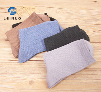 /img / 3075-cores brillantes-para-simples-socks.jpg
